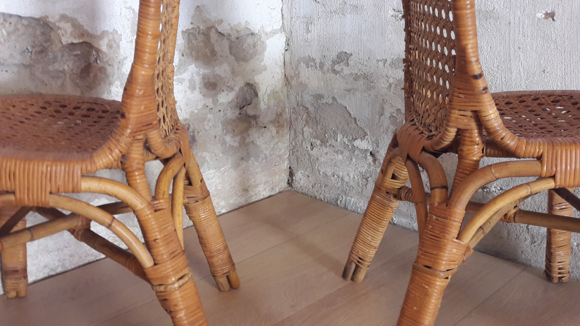 Chet Beardsley-like rotan stoeltjes